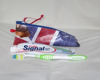 Toothbrush and toothpaste - london - format berlingot theme Kit