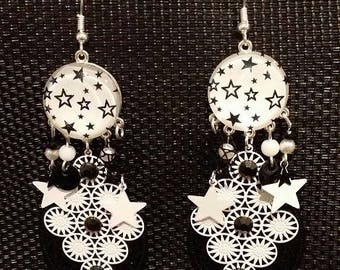 """""""Black and White Star"""" earrings 9 cm"""