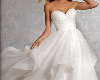 Tiered Flounce Sweetheart Strapless Wedding Gown