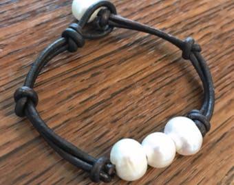 Leather & Freshwater Pearl Bracelet