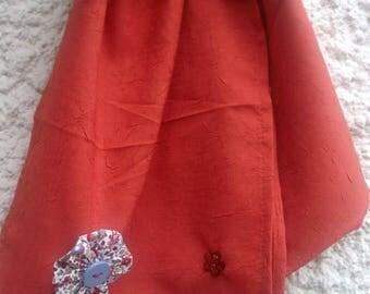 1 spring scarf, lightweight, satiny, fantasy