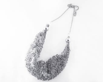 ++ Sarea grey ++ short necklace in cotton and polyester