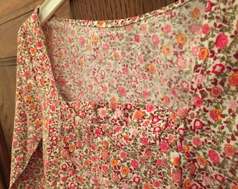 Square neckline flowered tunic size 6