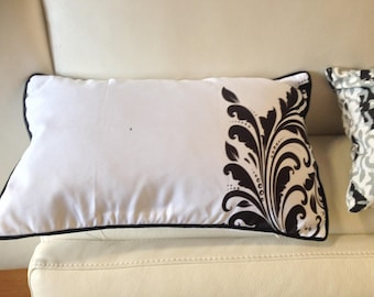 black and white pattern pillow set