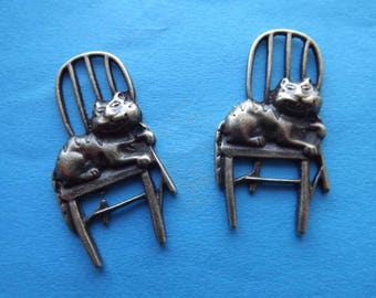 1 charm/pendant cat on Chair in metal bronze