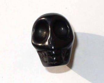1 PNR34noire 12x10mm black Howlite skull bead