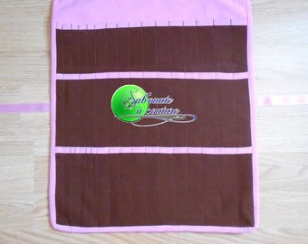 range of knitting needles and crochet Brown/pink