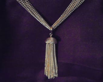 Vintage 1970s Sarah Coventry Gold Tone Tassel Necklace