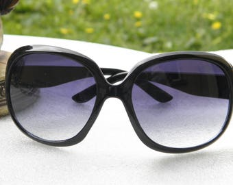 Vintage 80's wide and covering in vintage black acetate sunglasses