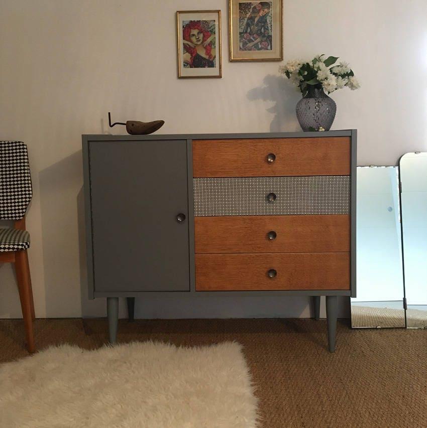 commode vintage kaki clair ch ne clair et imprim s. Black Bedroom Furniture Sets. Home Design Ideas