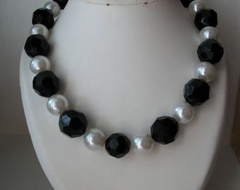 XL half long necklace, handmade black and white pearls.