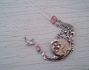 The flower and bird pendant necklace