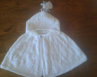 Cape for baby from 3 to 6 months