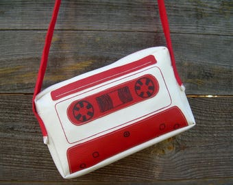 K7 red and white bag