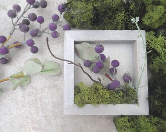Floral Shadow Box Moss Berries