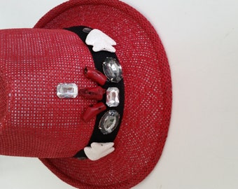 3 different models of summer hats decorated