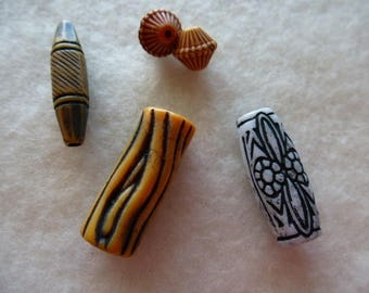 5 beads acrylic shaped spindle and bi cones for creating jewelry