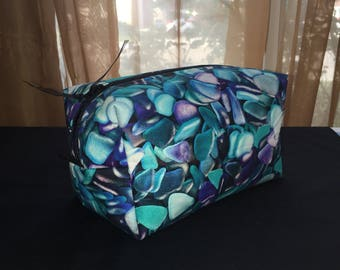 Turqoise pebble cosmetic bag