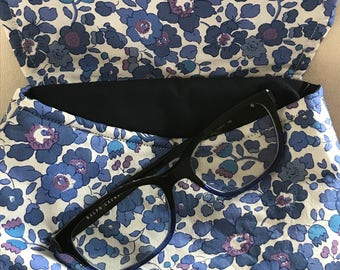Pochette de sac en tissu Liberty betsy bleu-violet