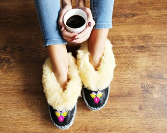 LEATHER SHEEPSKIN slippers women moccasins boots brown comfortable indor shoes shearling footwear fur warm winter boots light comfy gift