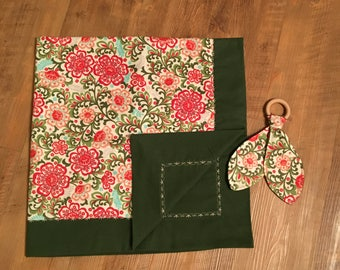 Flower Blanket With Teether
