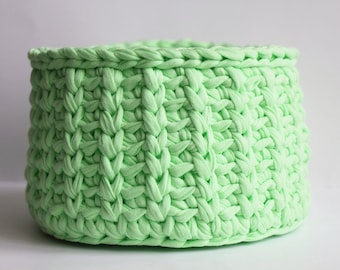 Knitted yarn basket