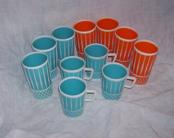 plastic cups and tumblers