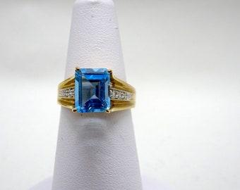 Ladies Diamond & Topaz Ring