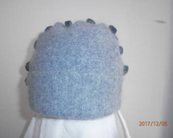 Woolen heat cap with lapel