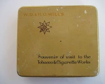 Star Souvenir cigarette tin (20) by W D & H O Wills