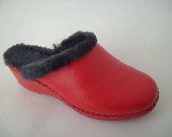 Women's handmade slippers in genuine leather with sheepskin lining