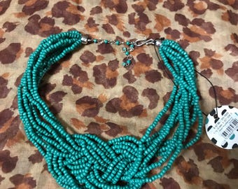 Green knotted wood necklace