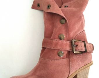 Beige-Rose Suede Ankle Boots