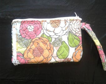 MoselysStitch Small Wristlet
