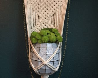 Simply Sophisticated wall/hanging plant holder