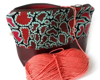Owl Project Bag, Valentines day gift, Zippered Medium Size Knitting Bag, Yarn Bag, Zippered Wedge Bag, Crochet Wedge Bag, Yarn Tote