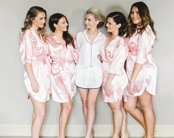 Bridesmaid Robes | Bridesmaid Gift | Customized Robes | Bridal Party Gift | Satin Robes | Wedding Robe | Bridal Party Robes | Party Robes