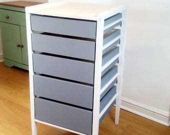 Minimalist Chest of Bedroom Drawers