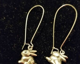 Boutique Silver Alloy ...Sitting Bunny  Earrings...Great for Easter Comming Soon  #C80