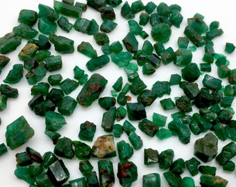 126 Carates Very Beautiful Rough grade Emerald Lot From Afghanistan.