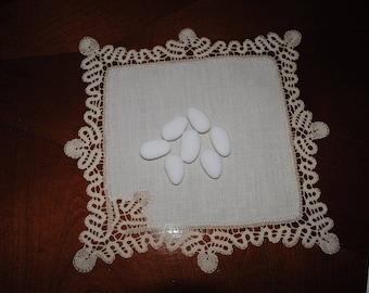 beautiful center lace-bobbins