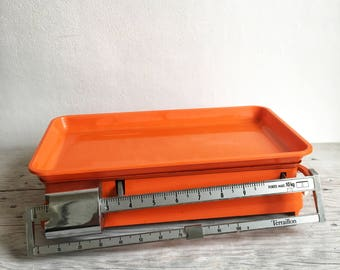 Vintage 1970s TERRAILLON kitchen scale