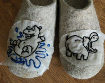 Gray felted wool womens slippers, House shoes, Organic wool slippers, Felted clogs
