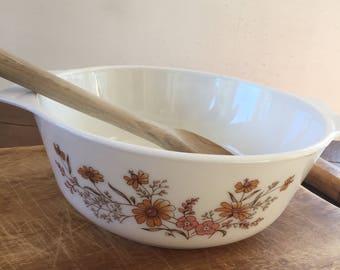 Vintage English Pyrex Casserole Dish with Lid // Woodland Pattern
