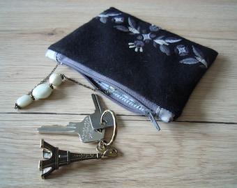 Black & white purse