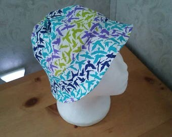 Sun hat 100% cotton. Lined item. Multicolor seagulls. Wide rim. Gathered top.   Head measurement up to 20.25