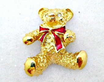 Teddy Bear Lapel Pin - 1980's Avon - Teddy Bear Pin Jewelry Gift - Goldtone Bear Pin - Avon Lapel Pin - Bear Tac Pin - Vintage Avon Jewelry