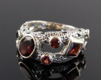 Garnet 8-stone sterling silver ring - size 7.5