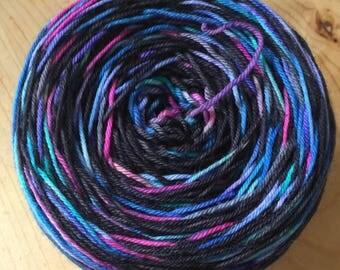 Chaos and order self-striping yarn