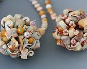 Collier perle Collector Series de frange: plages. UNIQUE et original Collier Pendentif à la main de perles avec nacre, coquillage, verre.